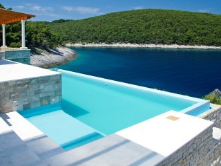 Luxury Villa Korcula Stone Village with pool by the sea on Korcula - Vela Luka