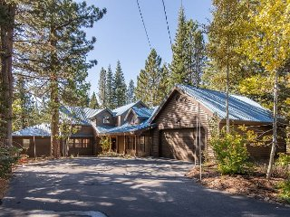 Charming Family Lodge w/ 5 Star Amenity Access