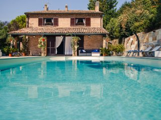 Villafranca Pesaro - Villa con Piscina immersa Parco naturale del San Bartolo (Camera Giacomo)