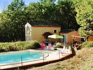Idyllic house in the Lot, Midi-Pyrenees, with lovely garden and pool
