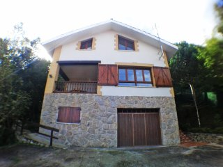 Villa Rural Cantabria surrounded by forest with sea views