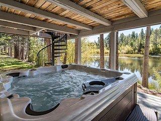 Tahoe Keys, Modern Rustic 4BR, 2.5 BA Home w/ View of Water and Freel Peak