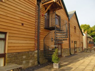 The Hayloft, Indoor Pool, Gym & Sauna, Romantic apartment on the first floor