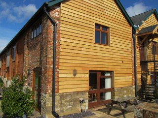 The Byre,  Pool, Gym, Sauna, Super Fast WiFi, Ground Floor & Family Friendly