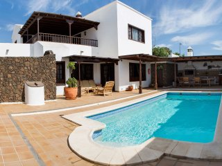 Beautiful villa with private swimming pool and bbq