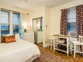 Perfect Little Stay in Beacon Hill! Location! Unit 3