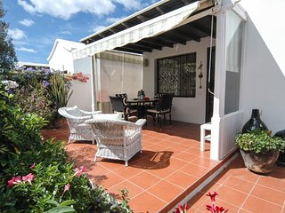 Puerto del Carmen Bungalow Sleeps 4 with Pool and WiFi - 5630177