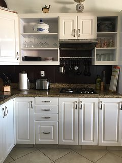 Well equipped kitchen with 4 burners , oven , micro oven , dishwasher and icemashine
