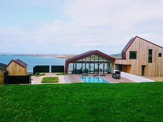 New house with, large sea view, outdoor swimming pool, jacuzzi