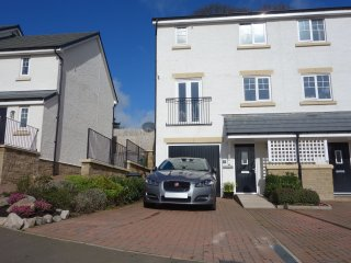 Luxury Modern 3 bedroom Townhouse with off street parking for two cars