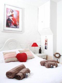 Chambre Tango (1 lit en 140 + 1 lit en 90)