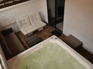 7 bedroom parque lleras (bachelor party friendly) two jacuzzi spacious apartment