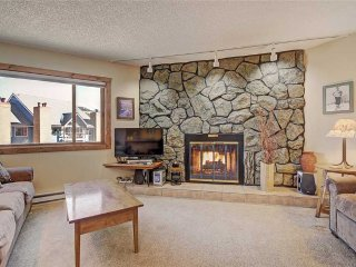 2 bd + loft ski-in condo located in short walk to downtown Breckenridge!