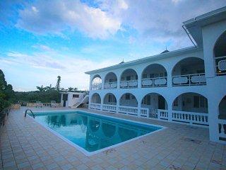 Kenwood Villa