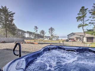 Beautiful Home w/ Fire Pit, Ocean Views & Hot Tub!