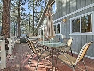 NEW! Peaceful 2BR Big Bear City Cabin w/ BBQ Deck!