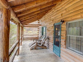 Two-level dog-friendly cabin with a mountain view plus private hot tub & deck