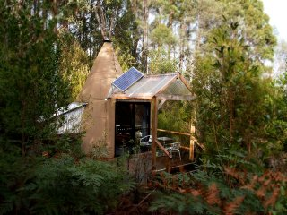 Huon Bush Tipees: Glamping in nature south from Hobart