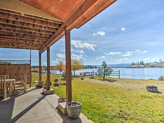 Pagosa Lake House w/ Canoe & Waterfront Views!