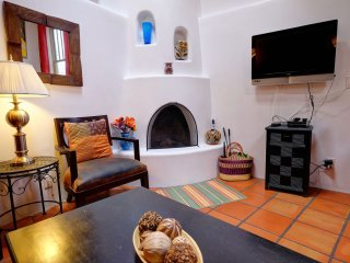 Casas de Guadalupe - Casita C - Romantic one bedroom loft style Casita