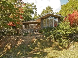 Come stay where it all began - Timeless chalet with lovely yard area