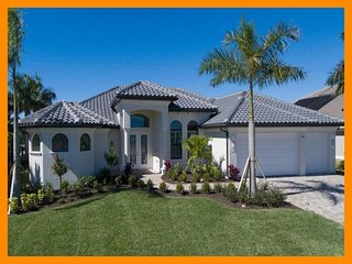 Cape Coral 301 - Luxury waterfront villa with private pool and boat dock