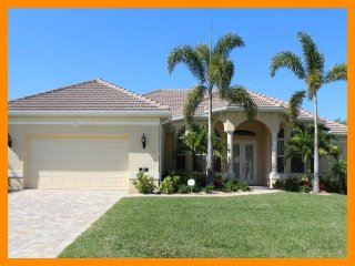 Cape Coral 293 - Luxury waterfront villa with private pool and boat dock