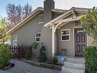 Find Your Cozy Corner in Downtown Paso Robles--Convenient & Charming Comfort!