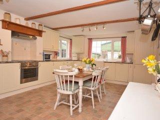 44019 Cottage in Dartmoor Nati