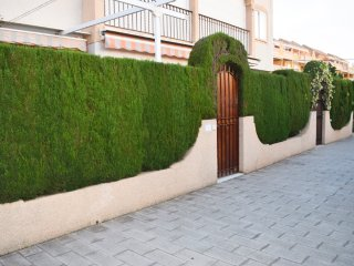 Planta Baja con Terraza Privada en Denia