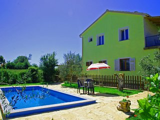 Holiday family apartment with private pool 'ARMIN'