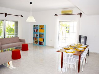 HRISI AKTI APT-CH,600m from sea,3bd modern flat,15off on May!