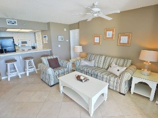 Labor Day Cancellation Gulf front 1 bedroom 1 bath sleeps 4