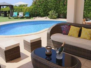 Savoya, sea front bungalow with private pool walking distance to amenities&sea