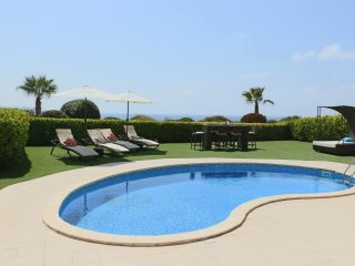 Marina sunrise Sea front bungalow private pool walking distance to amenities&sea