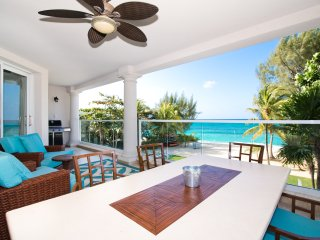 Large Luxury Oceanfront Seven Mile Beach Condo