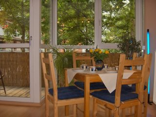 Weinert Blick apartment in Prenzlauer Berg with WiFi, balcony & lift.