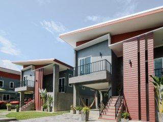 Villa Rajapruek -5 bedroom villa with breakfast  and Arrival airport transfer