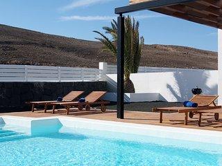 Villa Bellavista A7 with private heated pool, wifi, air conditioner, etc ...