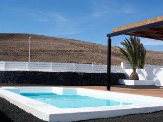 Villa Bellavista A8 with private heated pool, wifi, air conditioner, etc ...