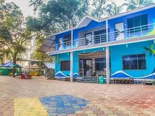 Vibrant 3 BHK for a weekend getaway