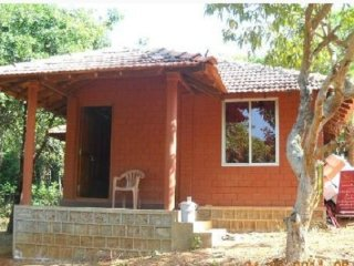 Rustic abode for three, 500 m from Om Beach