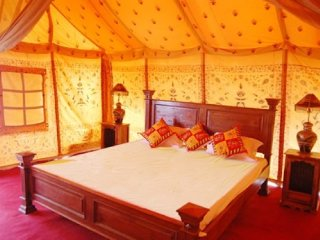 Furnished tents with modern amenities