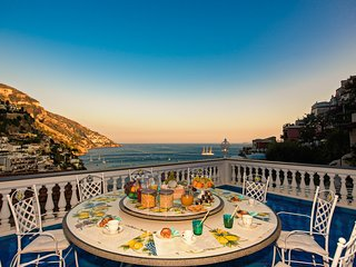 Villa Mon Repos, Luxury villa located in the heart of Positano, sea view, pool