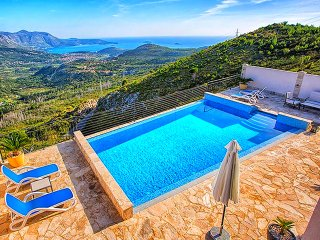 Cretan View Villa - Sea View - Heated Swimming Pool