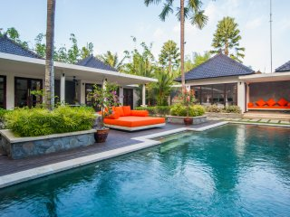 3 BR Villa Matha, for group, dream vacation