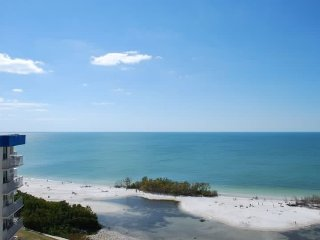 Estero Beach & Tennis Club-Awesome views from penthouse level condo