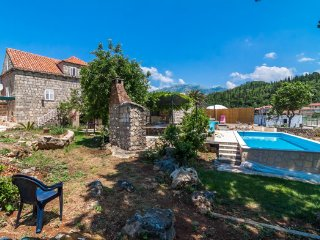 Stone Villa with a Pool for Rent, Klek, Dubrovnik County, Croatia