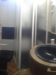 Private bathroom : shower, wc , bidet, washbasin