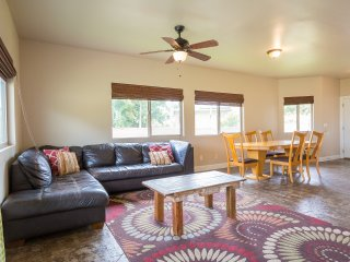 Homestead 8bd Combo SPECIALS! plenty of space for up to 24 guests